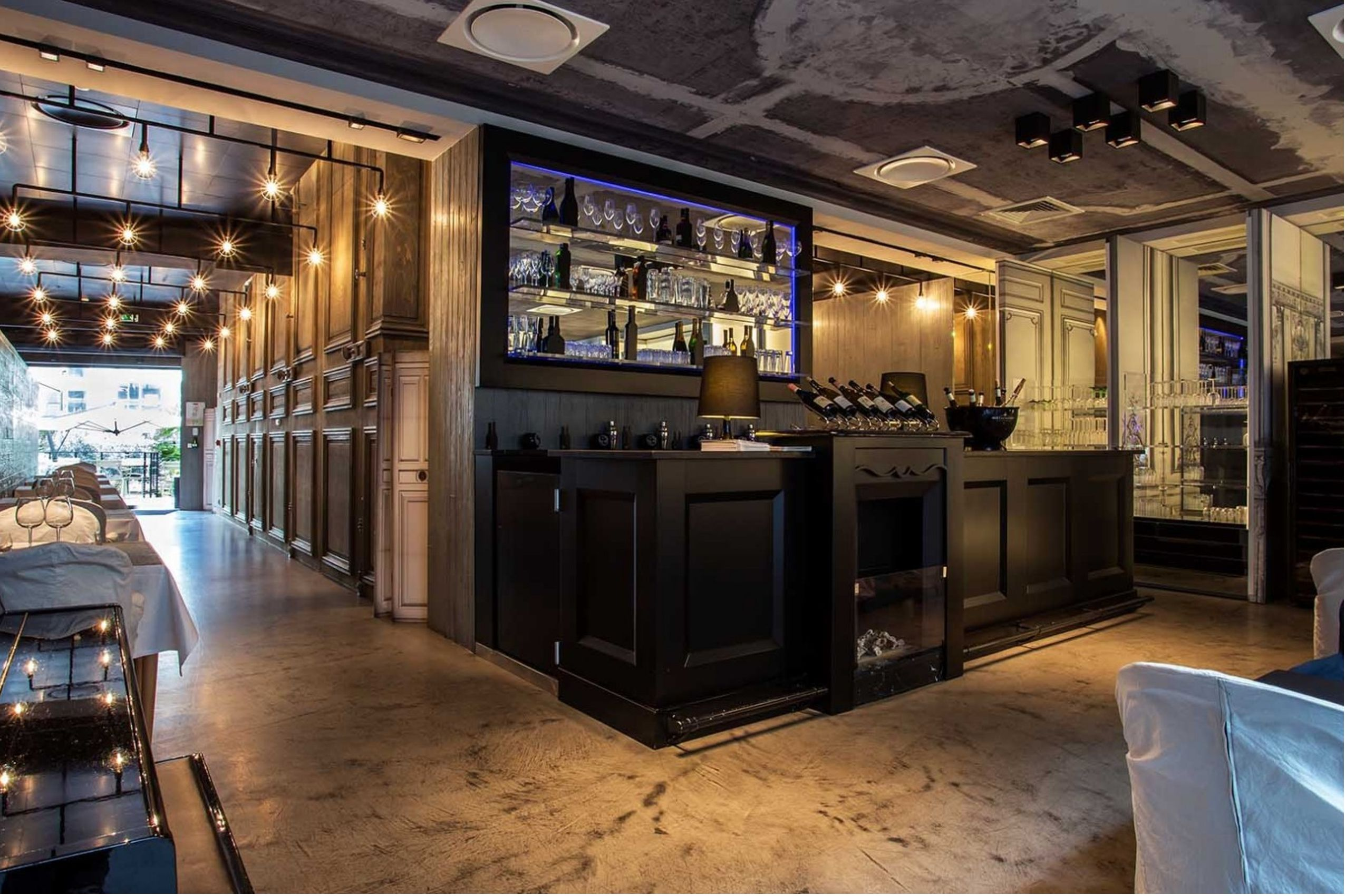Arredamento bar e ristoranti in legno for Arredamento bar e ristoranti